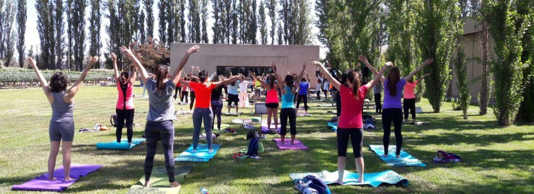 En San Valentín vuelve Yoga por los Caminos del Vino